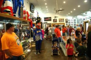 crowd-inside-store-lg1