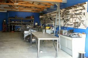 pei-fabrication-bench-lg1