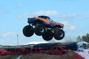 samson-monster-truck-mt-pleasant-2014-007