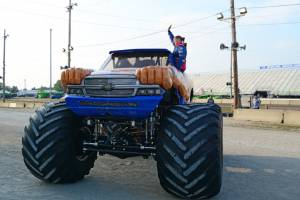 samson-monster-truck-bowling-green-2014-006