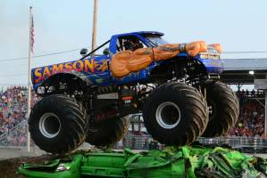 samson-monster-truck-bowling-green-2014-012