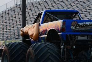 samson-monster-truck-bowling-green-2014-018