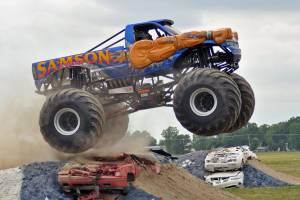 samson-monster-truck-mount-pleasant-2012-0021