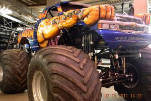 samson-monster-truck-oklahoma-city-2011-001