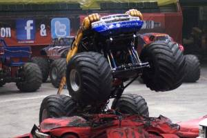 samson-monster-truck-uniondale-2011-006