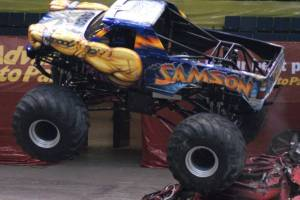 samson-monster-truck-uniondale-2011-008