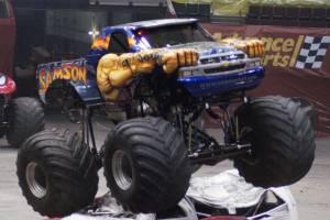 samson-monster-truck-uniondale-2011-011